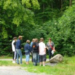 Schüler bei der Ortsbegehung