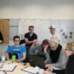 Seminar Arbeit Gruppe am Computer